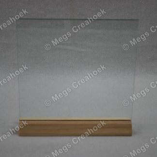 Glazen bordje met houten voet
