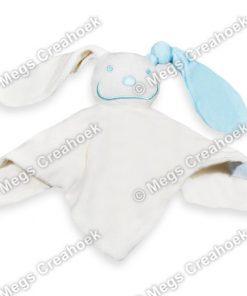 Tutpoppetje licht blauw gekleurd oor
